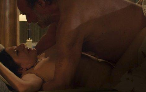Zuzana Kronerová a Pavel Nový natočili erotickou scénu.