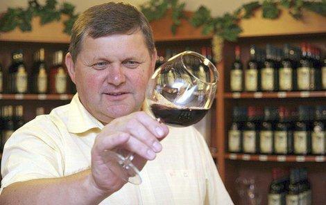 Josef Valihrach z Krumvíře získal bronz na jedné z nejprestižnějších světových soutěží Chardonnay du Monde ve Francii.