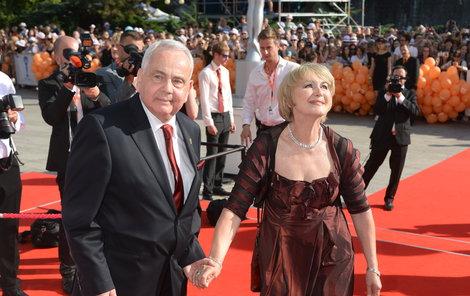 Eliška Balzerová s manželem v Karlových Varech