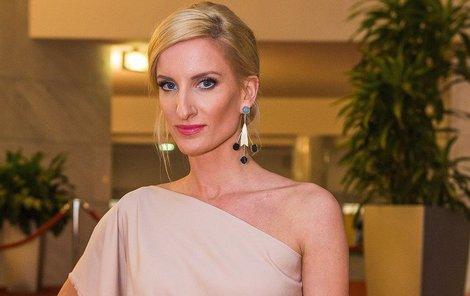 Adela Vinczeová (38, rozená Banášová)