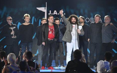 Kapela J.A.R. s cenou Anděl pro skupinu roku. Ceny za nejlepší hudební počiny uplynulého roku v základních kategoriích byly předány 20. března 2018 v pražském Foru Karlín.