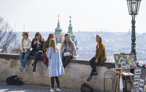 Sluníčko své paprsky vysílalo nesměle v Praze už o Velikonocích.