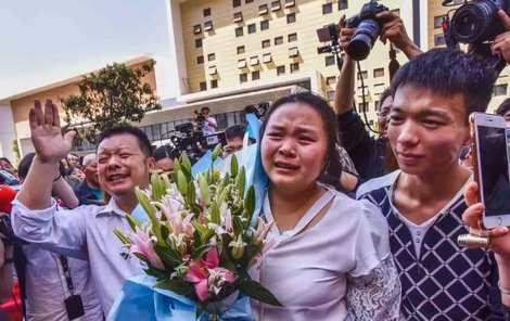 Na shledání s rodinou přivezla ukázat i své děti a manžela.