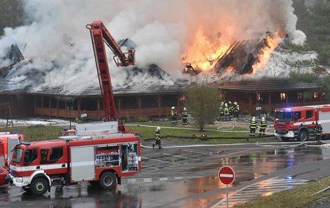 Motorest Čtyři Kameny, Hlavenec Za požárem, který motorest kompletně zničil, stálo vznícení sazí v komíně.