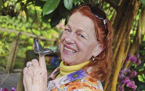 V dobré formě v týdnu dorazila na výstavu motýlů do Botanické zahrady.
