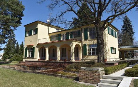 Letní sídlo manželů Benešových připomíná na jejich přání jihofrancouzskou rezidenci.