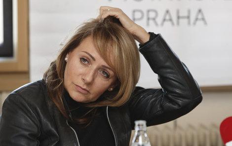 Adriana Krnáčová  (57, ANO) končí.