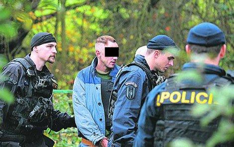 Státní zástupce obžaloval Martina Ch. (35), který obě dívky loni v září v Doubici na Děčínsku při sadomasochistických hrátkách škrtil.