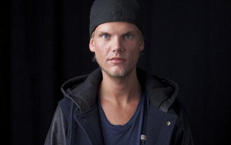 DJ Avicii zemřel ve věku 28 let.