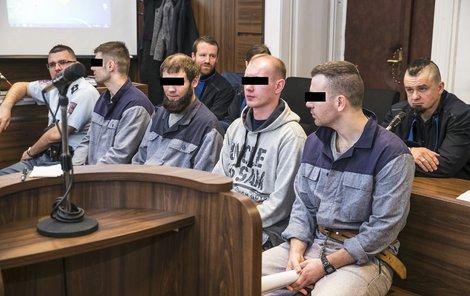 Alexej L., Petr O., Stefan Š. (29) a Vitalij K. hovoří rusky, většina z nich má ale německé občanství.