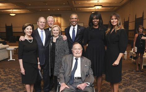 George H. W. Bush. Pohřbu jeho manželky Barbary se zúčastnili i američtí exprezidenti: jeho syn George Bush s manželkou Laurou, Bill a Hillary Clintonovi, Barack Obama s manželkou Michelle a současná první dáma Melania Trumpová.