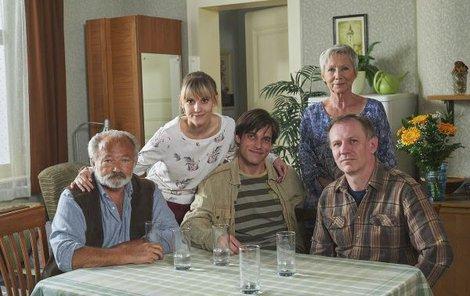 Seriálová rodina Peškových přijde na obrazovce už příští týden o jednoho ze členů.