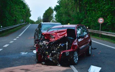 Při střetu byla vážně zraněna žena, která začínala rodit.
