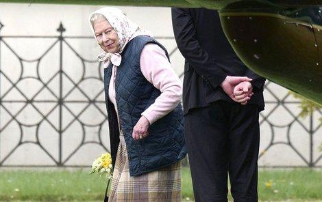 Královna Alžběta je na dně...