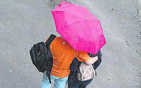 Připravte si deštníky!