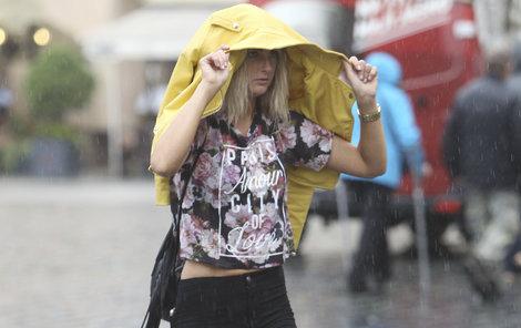 Bez deštníků nevycházejte.