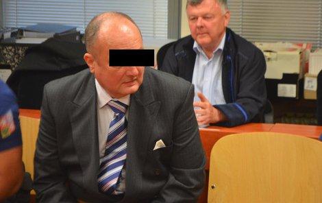 Kamil H. odmítl, že by s dívkami kupčil.