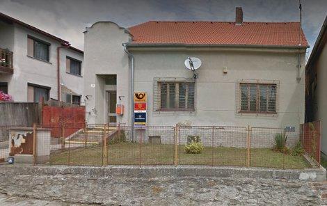 Pošta, kde se přepadení odehrálo.