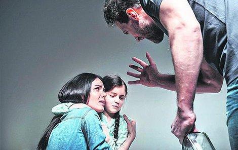 Domácí násilí je založeno na strachu, který násilník u oběti neustále vyvolává.