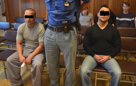 K prostituci měli dívku nutit Adam F. (vpravo) a jeho komplic Lukáš T.