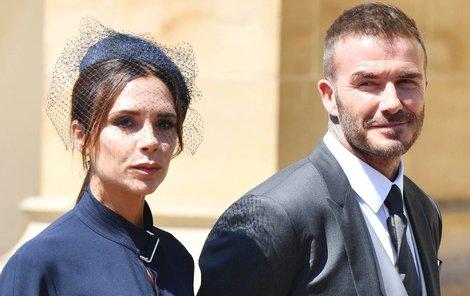 Výraz Victorie Beckham na královské svatbě.