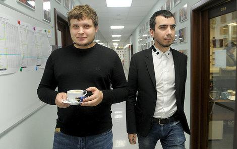 Kuzněcov (vlevo/vpravo) a Stoljarov alias duo Vovan a Lexus.