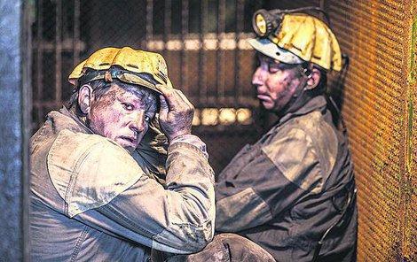Natáčelo se v opravdových hornických šatnách.