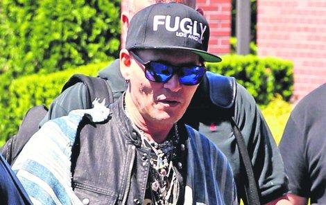 Depp se teď nejvíce věnuje vystupování s kapelou The Hollywood Vampires (Hollywoodští upíři) a příští středu by měl vystoupit v Praze!
