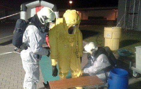 Na místě zasahovala i chemická laboratoř hasičů.