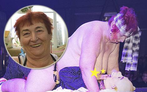 Chlpaté lesbičky lízanie mačička
