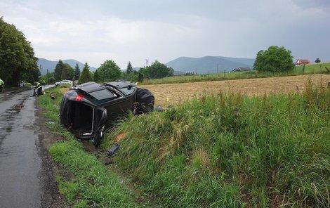Policie zjišťuje, co bylo příčinou smrtelné nehody, při které přišel o život řidič (†41).