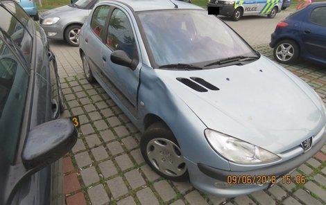 Peugeot měl promáčklý blatník...