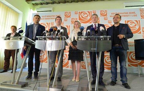 Je hotovo. ČSSD jde do vlády s ANO, krok podpořilo 58 % hlasujících členů.