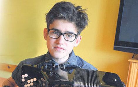 2018 Martin je jeden z největších hudebních talentů v Česku. Hraje na koncertní italský akordeon od nejvýznamnější firmy – Scandalli.