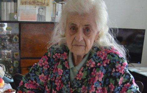 Alena Grušková je invalidní a v 86 letech je pro ni reklamace na poště složitým úkonem.