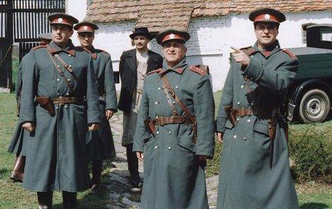 Zemřel František Švihlík (uprostřed), hvězda Četnických humoresek