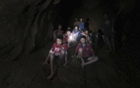 Hasiči pomohou v Thajsku