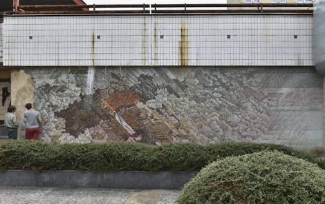 Mozaika zdobila nákupní centrum na ústecké Masarykově třídě.