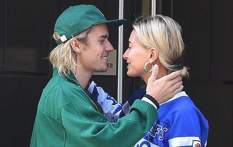 Justin Bieber se svou snoubenkou Hailey Baldwin