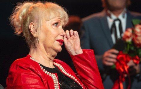 Marika Gombitová se na pódiu neubránila slzám.