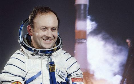 Ateliérová fotografie, kterou znal za normalizace každý. Remek byl československý Gagarin!