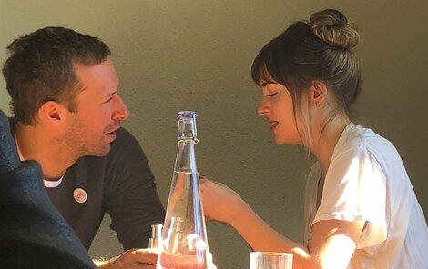 Dakota a Chris spolu chodí už rok.