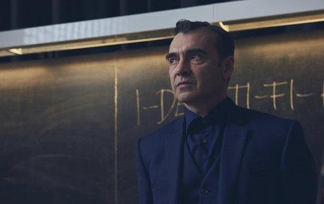 Z nového seriálu Profesor T.