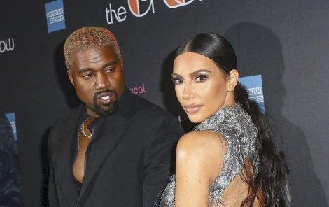 Příliš odvážné šaty Kim Kardashian