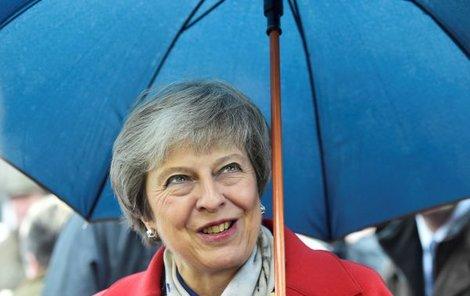 V parlamentu může May očekávat pořádnou bouřku.
