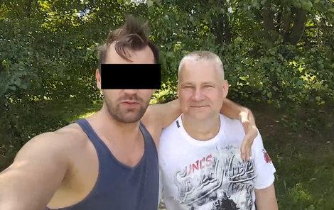 Josef K. (28), obžalovaný z nájemné vraždy podnikatele Františka Divokého (71), prosil o radu omilostněného trestance Jiřího Kajínka.