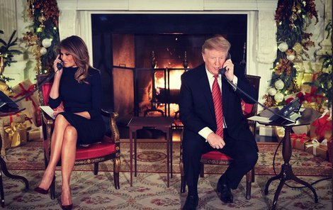 Část štědrého večera strávili manželé Trumpovi tefonováním s americkými dětmi.