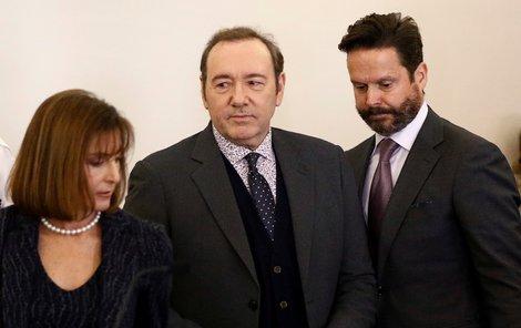 První jednání soudu, který rozhoduje o obvinění Kevina Spaceyho ze sexuálního útoku
