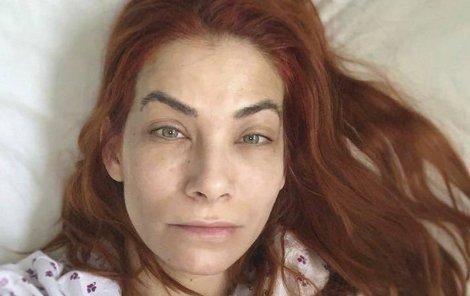 Eva Decastelo skončila v nemocnici.
