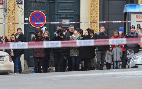 18. ledna 2019: Na Václavském náměstí se zapálil muž. Kolemjdoucí jej uhasili.